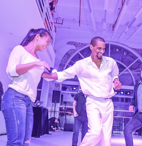 Coupe dance salsa cuban style