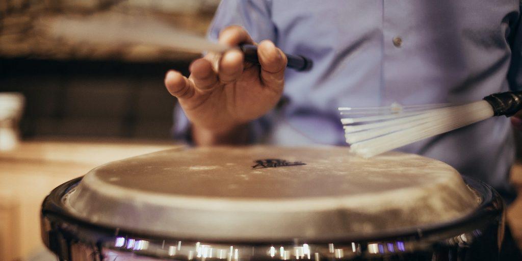 drums play