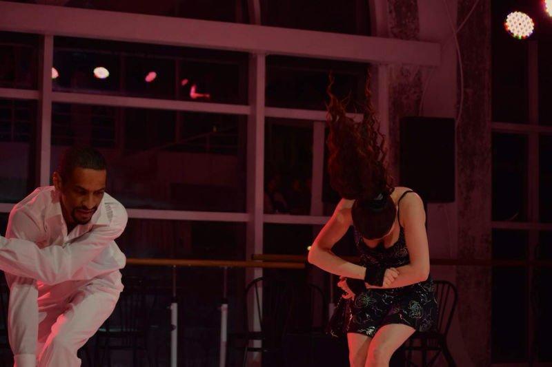 2 salsa dancers during a show